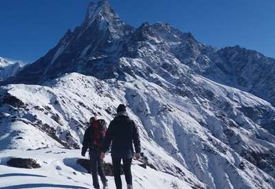 5 Reasons You Should Hire a Trekking Guide In Nepal